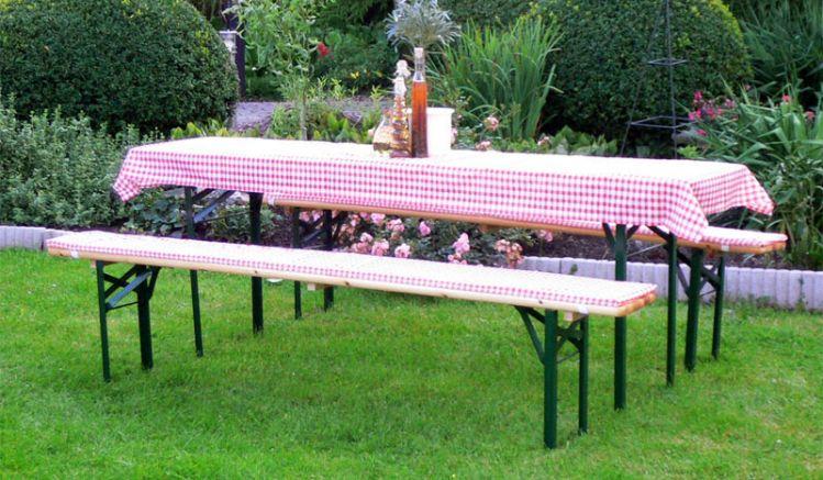Das rot-karierte Auflagen-Set Ammergau ist für Tischbreiten von 50 - 70 cm und Banklängen bis 110 cm geeignet. (Musterbeispiel - Abbildung zeigt lange Version)