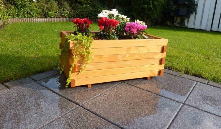 Die Imprägnierung schützt den Blumenkübel von außen- die Pflanzfolie Ihre Pfanzen von Innen.