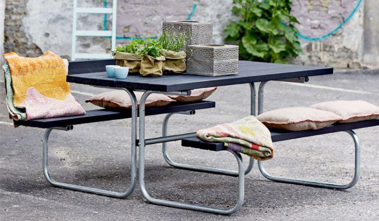 Die 77 x 155 x 73 cm Classic Outdoor Restaurantmöbel machen Terrassen zum geselligen Treffpunkt