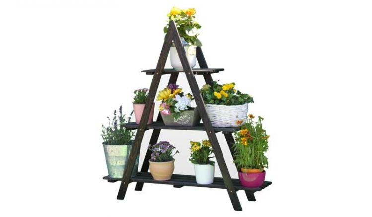 Unsere Dekoleiter Wilster bietet auf 3 Ebenen viel Platz für Ihre Blumen und Pflanzen. Maße: ca. 101 x 26 x 122 cm (B x T x H)