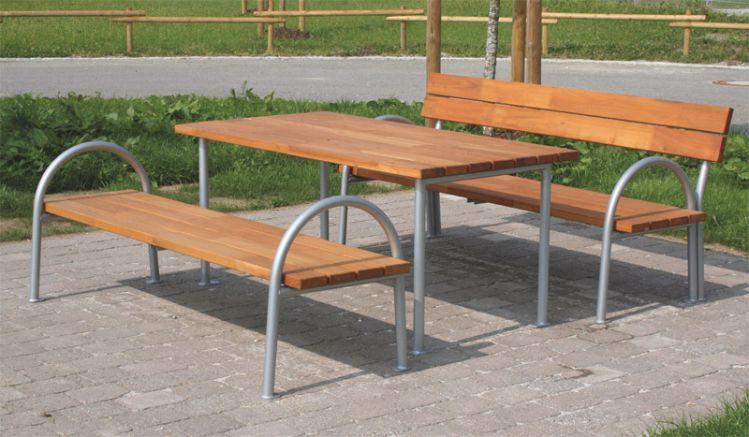 Sie können individuell wählen, ob Sie die Sitzgruppe mit Bänken ohne oder mit Lehne wünschen.