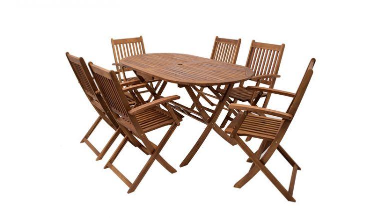 Die wetterfeste, pflegeleichte Gartenmöbel Garnitur Genua aus geöltem, FSC®-zertifiziertem Akazienhartholz besteht aus 6 Stühlen und einem Tisch. Durch den warmen Naturton des Holzes fügt sie sich harmonisch in Ihren Gartenbereich ein.