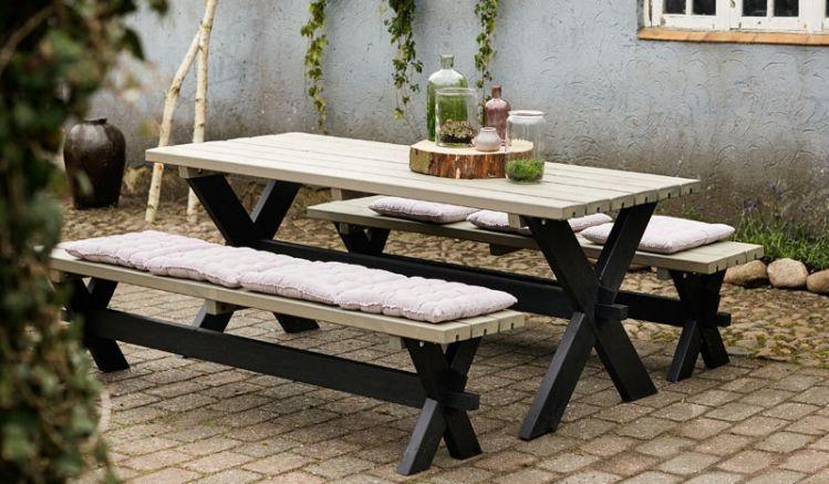 Das klassisch anmutende Gartenset Parkmöbel Nostalgi aus druckimprägniertem Holz ist in 4 Designs erhältlich