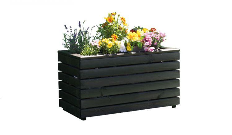 Der Pflanzentrog Kappeln aus massiven Kiefernholz wird inkl. Pflanzfolie und teilmontiert im Karton geliefert.