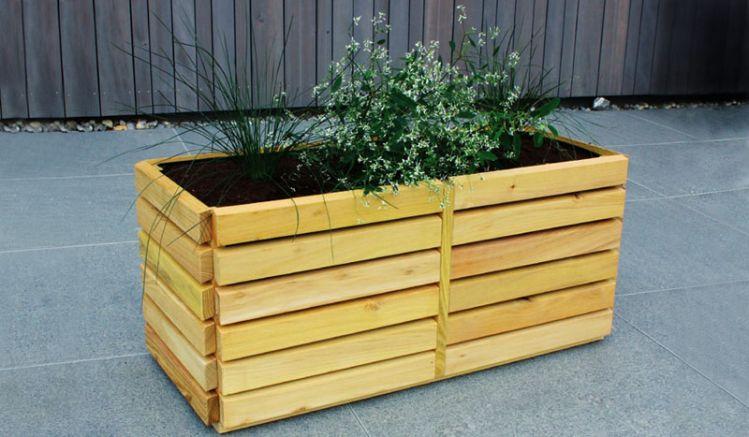 """Pflanzkasten Holz """"Föhr"""" inkl. Folieneinsatz zum modernen Gestalten Ihres Garten, Terrasse oder Balkons. Entdecken Sie unsere riesen Pflanzgefäße Auswahl"""