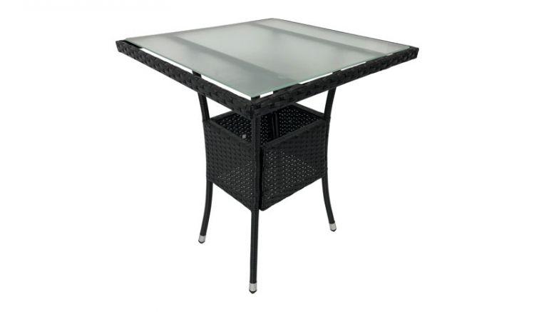 Dan mattierter Tischplatte aus Sicherheitsglas ist der Tisch mit Polyrattan bespannung leicht zu säubern.