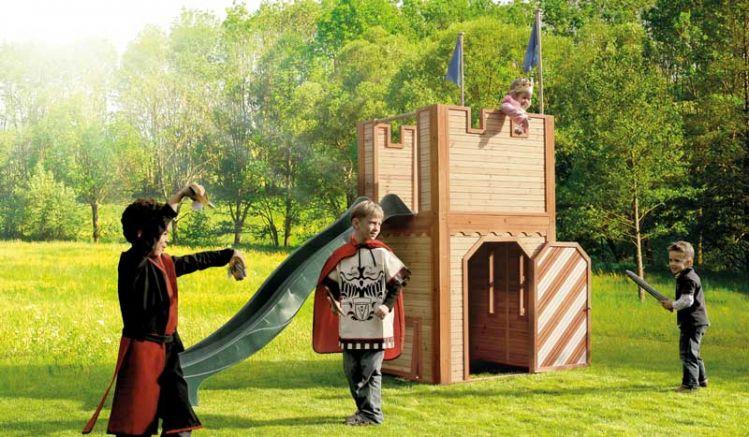 """Spielturm """"Markus"""" ist eine TÜV-geprüfte Holzspielburg für tapfere Ritter und hübsche Prinzessinnen."""
