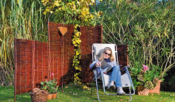 Steckparavent aus Weide, für einen schnell errichteten Sicht- und Windschutz im Garten