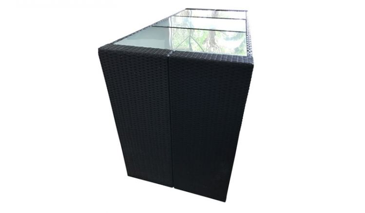 Der moderne Terrassen Bartisch Menorca aus schwarzem, witterungsbeständigen Polyrattangeflecht im Maß von ca. 185 x 80 x 110 cm ist ideal für den Wintergarten, die Terrasse oder den Hobbyraum.