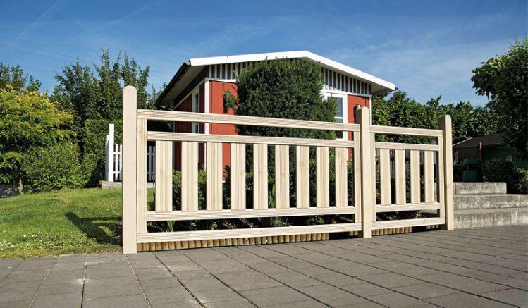 Die Terrassenabtrennung Gent Serie enthält zwei verschiedene Elemente aus Kiefernholz lasiert in sandton. Alle Elemente werden vormontiert geliefert.