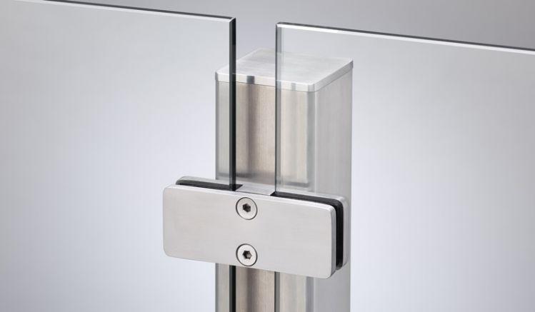 Der Verbindungs-Edelstahlpfosten  mit dem Pfostenmaß 6 x 6 cm zum Einbetonieren oder Aufschrauben.