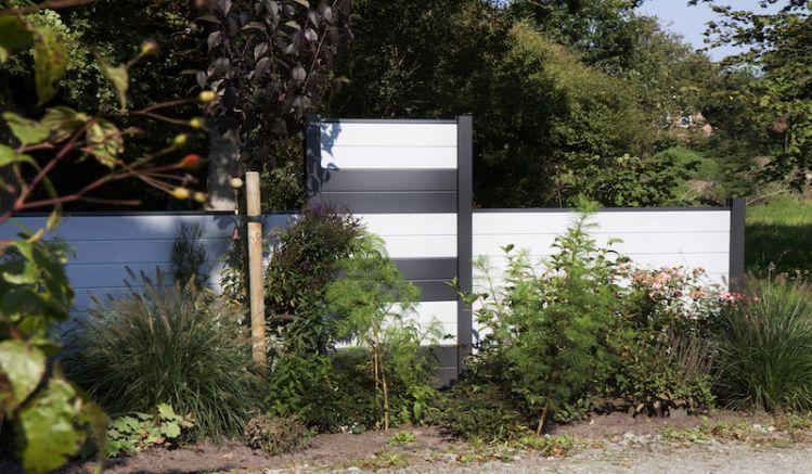 Das Alu Zaunsystem Horsens besteht aus 25 Elementen und ist nach belieben frei konfigurierbar. Beachten Sie die Lamellenangaben zu den Zaunhöhen.