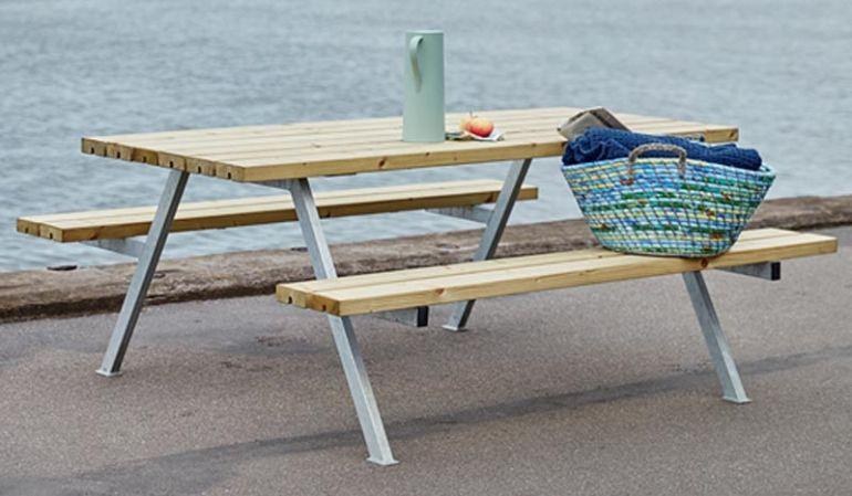 Preisgünstiger Alpha Picknicktisch mit 4-6 Sitzplätzen aus Kiefer/Fichte oder Lärche