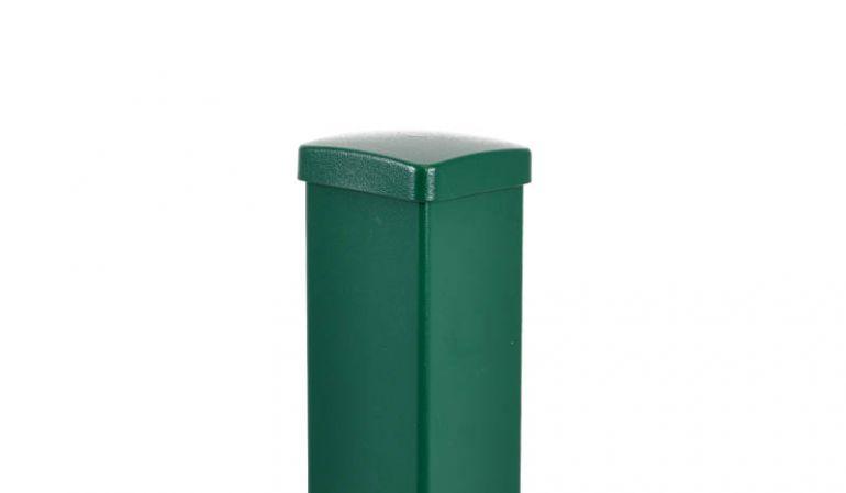 Der Aluminiumpfosten in Moosgrün mit den Maßen 80 x 80 x 800 / 990 / 1490 / 1850 mm. Der Pfosten mit Innenfuß wird ausschließlich für Gartenzäune empfohlen