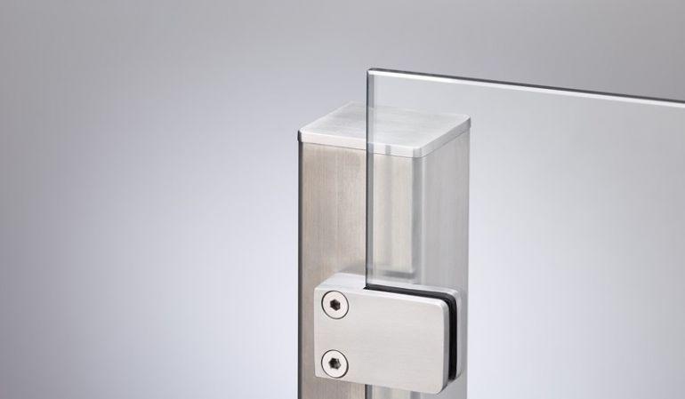 Der Anfangspfosten aus Edelstahl für unsere Glaszäune durch Aufschrauben oder Einbetornieren montiert werden
