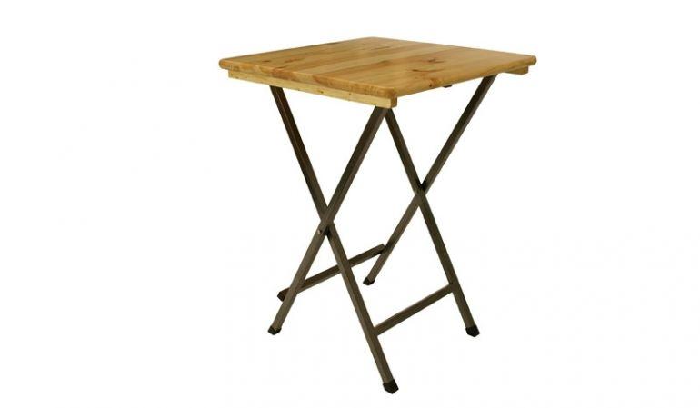 Klappbarer 78 x 78 x 110,5 cm Bistro Stehtisch mit 28 mm Tischplatte aus Nadelholz. Alle Holzteile sind mit einem speziellen, UV-beständigen Klarlack versehen