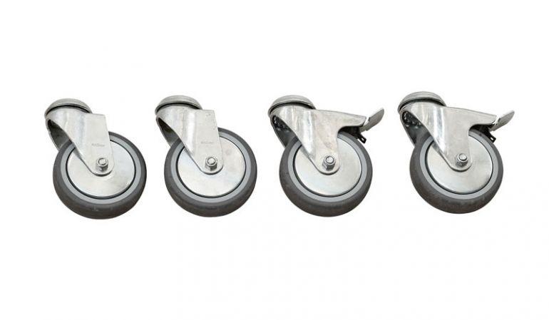 Die robusten Ø 100 mm Cubic Schwerlasträder aus verzinktem Stahl sind als 4er-Set erhältlich; 2 Rollen sind feststellbar