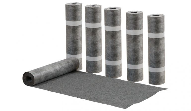 6 Rollen Dachpappe à 0,7 x 6 m: Die perfekte Feuchtigkeitssperre für den Geräteschuppen Holz Lasse. Im Lieferumfang sind Nägel enthalten