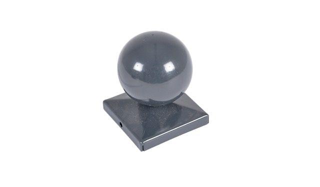 Die Pfostenkappe Kugel Metall für Torpfosten ist in den Maßen 60 x 60 mm, 80 x 80 mm und 100 x 100 mm passend zu Ihrem Doppelstabmattentor erhältlich