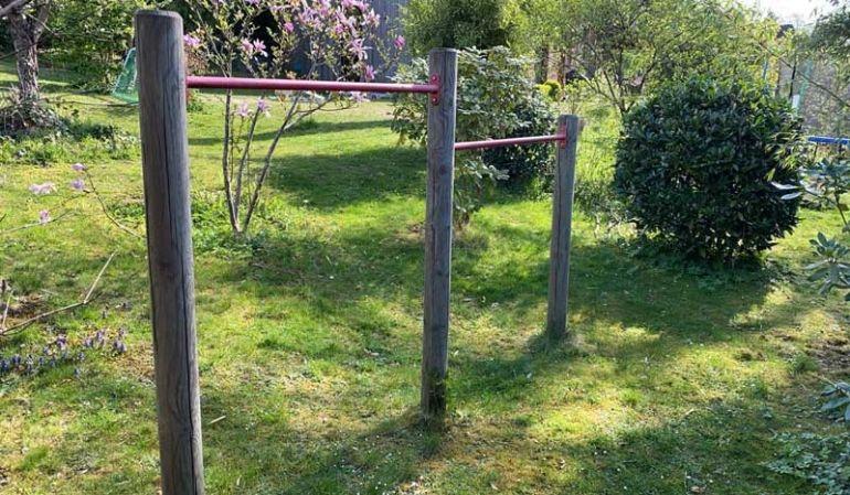 Garten Turnreck aus 3 Kiefernpfosten und 2 Reckstangen
