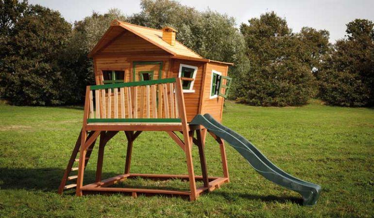 Das TÜV-geprüfte Gartenspielhaus ist ein winterfestes und pflegeleichtes Spielhaus inkl. Rutsche und Sandkasten