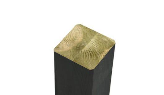 Der Leimholzpfosten mit einem Maß von 9 x 9 cm. Der Pfosten ist druckimprägniert, FSC - zertifiziert und farbgrundiert. Durch die Verleimung besteht keine Möglichkeit, dass der Pfosten sich verzieht.