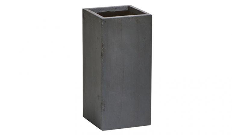 Der pflegeleichte und stabile Pflanztrog aus Fiberglas und gestein ist in 3 Größen oder als praktisches 3er Set erhältlich