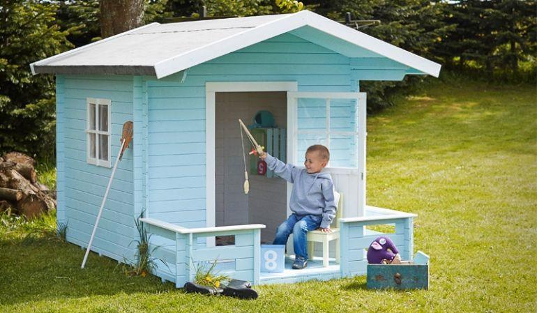 238 x 215 x 190 cm Spielhaus mit Terrasse zum Toben, Spielen oder Lesen