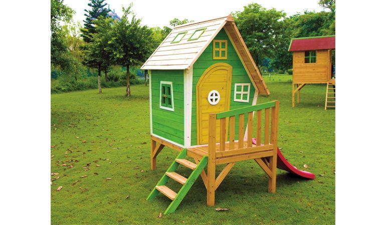 Das Holz Spielhaus Anni in der Praxis