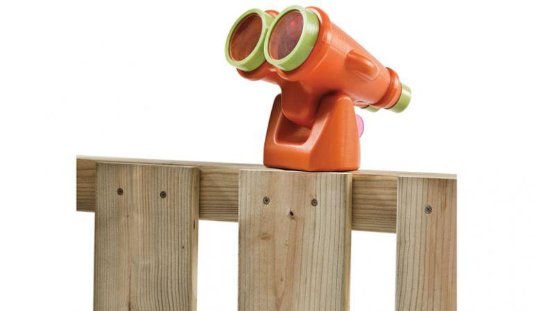 Mit dem Spielzeug Fernglas haben die Kleinen alles im Blick und können die schöne Aussicht im Garten genießen.