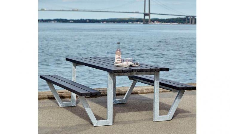 Ein echter Hingucker: Die Wega Sitzgruppe vom dänischen Hersteller Plus ist in 5 Ausführungen erhältlich