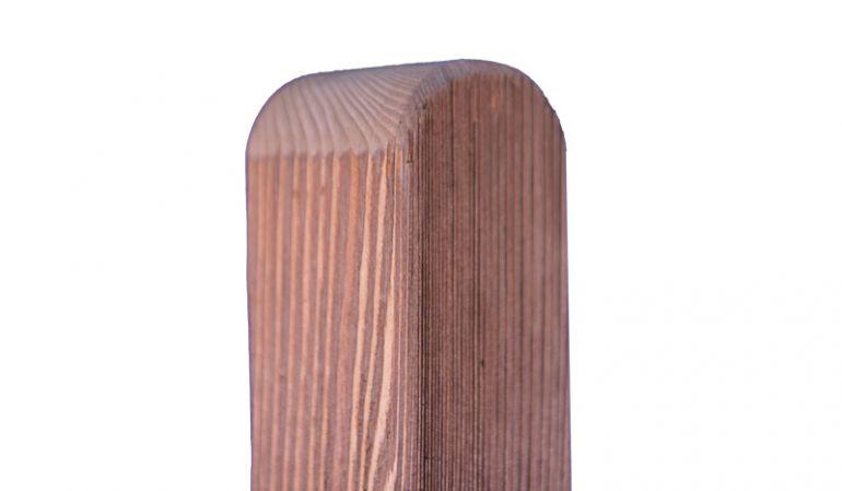 Zaunpfähle der Rhön-Serie in den Maßen 9 x 9cm mit einer Länge von 100 und 190cm aus kastanienfarben lasierter Kiefer