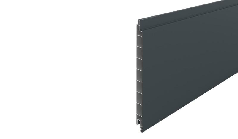 PVC-Profilbrett aus widerstandsfähigem Kunststoff gefertigt in der Farbe Anthrazit (RAL 7016). Maß: 1,7 x 20 x 176 cm