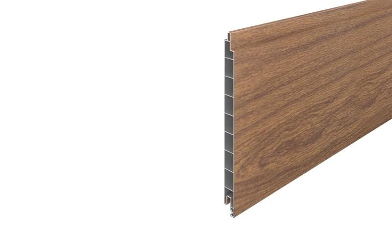 Profilbrett des Eno-Steckzaunsystems aus UV-beständigem PVC-Kunststoff im Eiche Rustikal Dekor