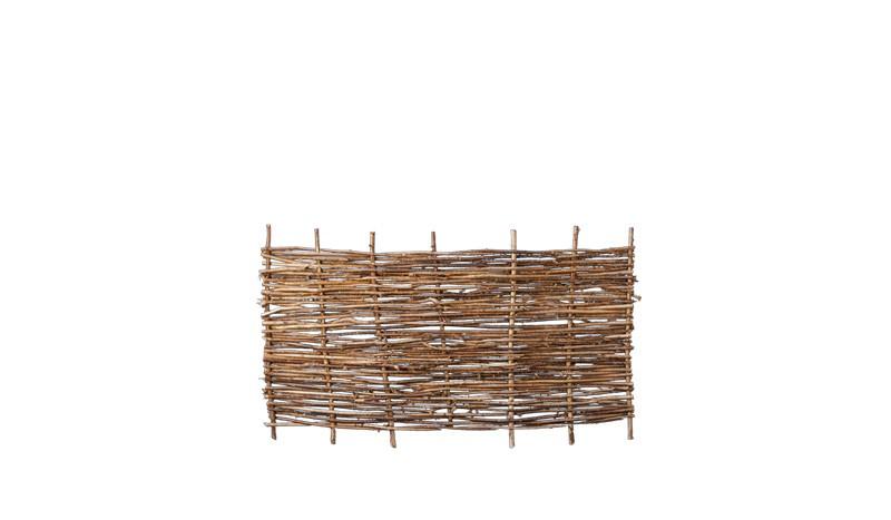 Haselnusszaun geflochten und genagelt mit einem Maß von 180 x 90cm