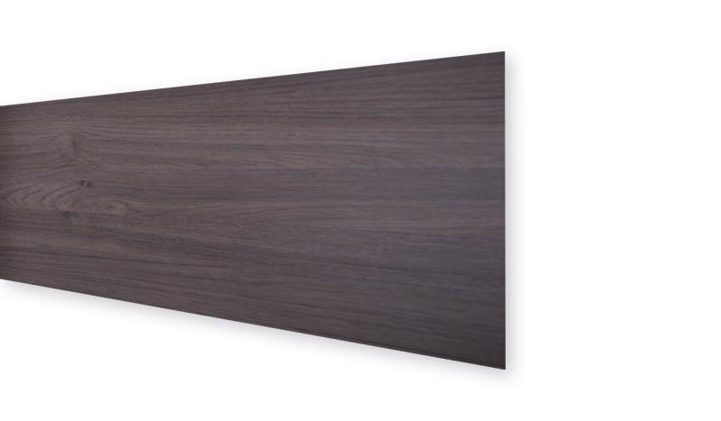 Die Lamellen des HPL-Steckzauns sind witterungsbeständig und bieten zudem viel Freiheit im Design. Farbe: Esche grau.