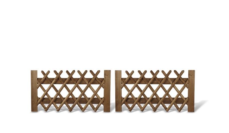 Jaegerzauntore aus bräunlich druckimprägnierten Zaunlatten und Brettern. 300x80cm