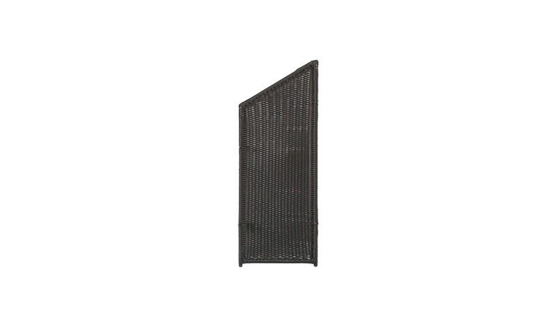 Abschlußelement der Sichtschutzelemente aus Polyrattan. Wetterfeste und handgeflochtene Polyrattanstreifen. Durch eine Innenverstärkung aus Aluminiumrohren wird für erhöhte Stabilität gesorgt.