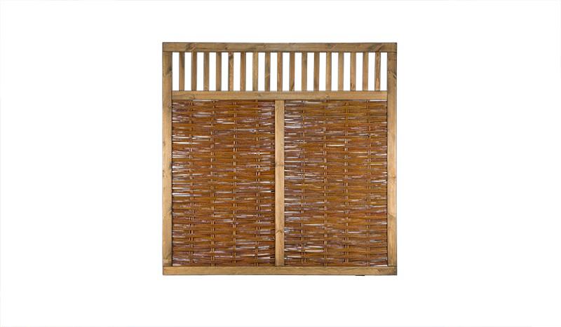 Sichtschutzelemente aus geflochtener Weide und lasiertem Kiefernholz mit einem Maß von 180 x 180cm
