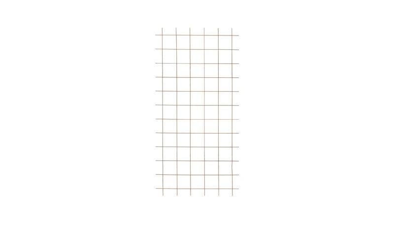 Stahl Rankgitter Blavand aus Stahl mit rostiger Optik und mit einem Maße von 90 x 180 cm. Maschenweite ohne Kanten: 15 x 15 cm.