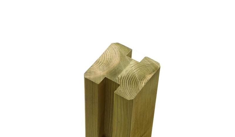 Verbindungspfosten aus druckimprägniertem Nadelholz für lange Betsändigkeit