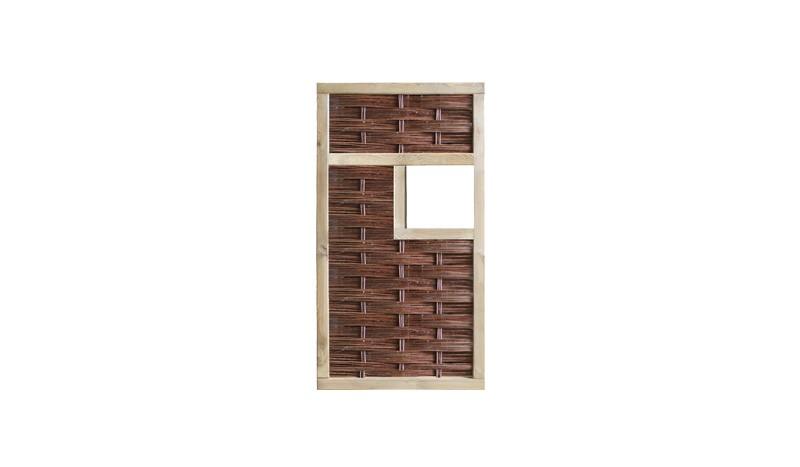 Die 94 x 180cm Weidenzäune der Warschau Serie haben 36 x 36cm große Fenster, die mit Insektenhotels, Futterhäuser für Vögel oder Pflanzkästen gefüllt werden können